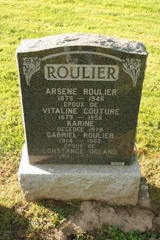 Vitaline Couture, 1879-1946, fille de Jules Couture et Domithilde Bourgeois, née à Sherrington, sœur de Joseph-Arthur Couture, mariée à Arsène Roulier, le 6 mars 1905, à Napierville, Qc. .
