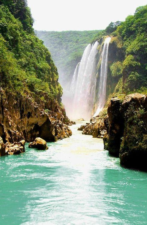 Cascada de Tamul, Tanchachin, San Luis Potosi, Mexico