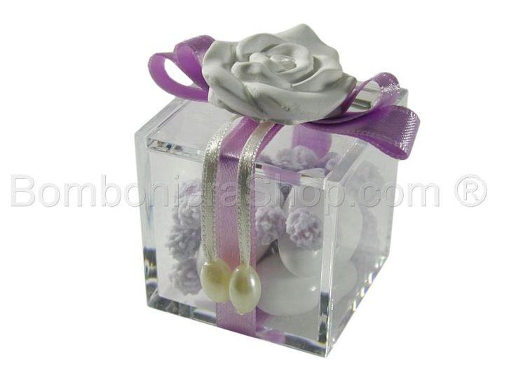 Cubo contenitore in plexiglass con applicazione rosa profumata
