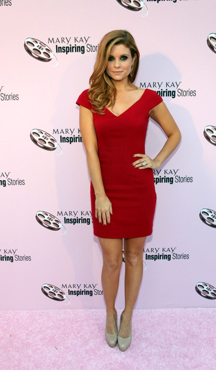 joanna garcia swisher - love the dress, the hair, everything!