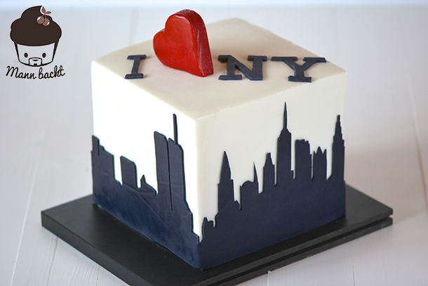 New York Cake. Minimalistic, clean & simple cake design, razor-sharp corners... definitely my favorite work so far