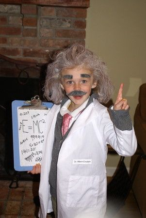 Albert Einstein costume | 15 DIY Halloween Costumes for Kids (with an Educational Twist)