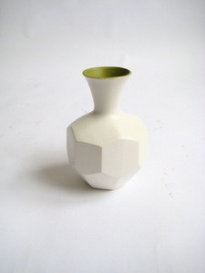 Large white cream Royal Haeger polygonal ceramic vase with green interior