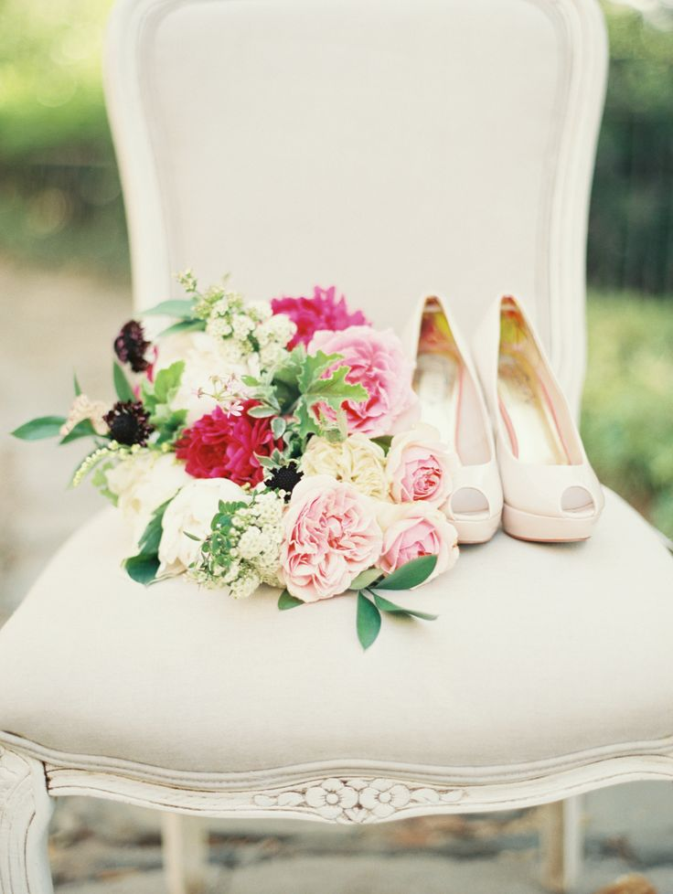 pink bouquet & wedding shoes
