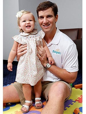 Eli Manning and his Ava so cute!