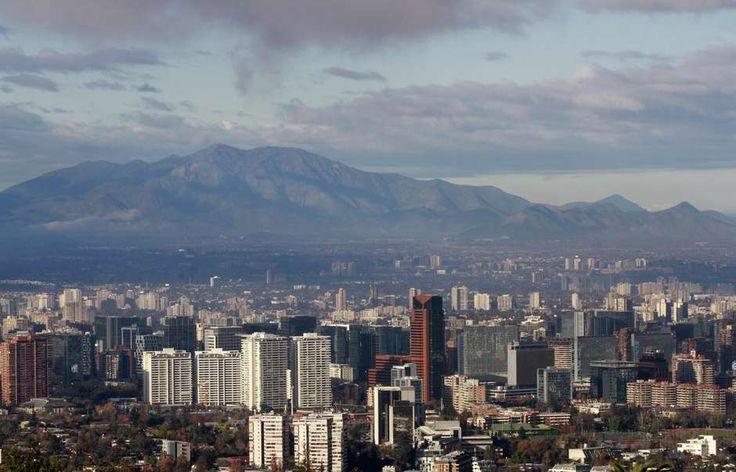 La capital amaneció sin una pizca de smog y el sol permitió observar la magnitud y belleza de lo que es Santiago.