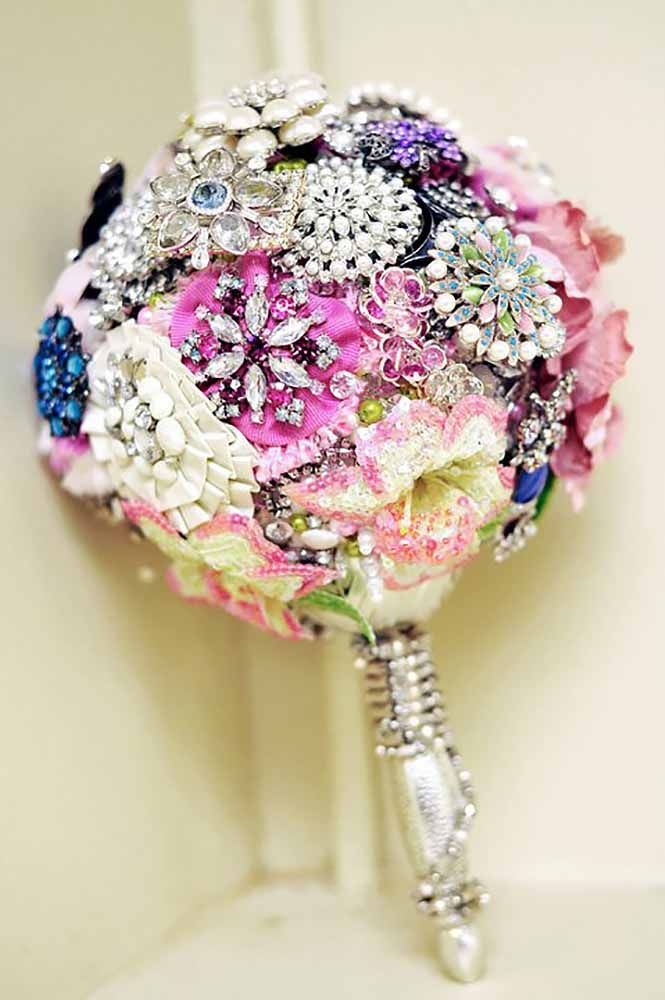 brooch wedding bouquets with bling 1