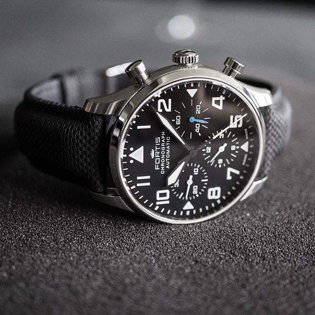 0301e2930 Pánské letecké hodinky   Men´s watches in 2019