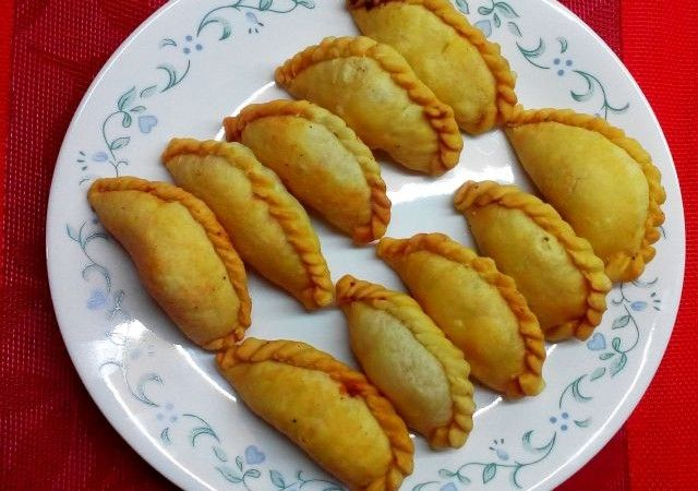 Gujiya or Pedakiya Recipe – How to make Gujiya