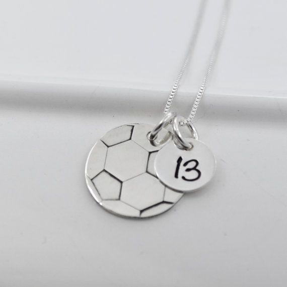 Collar de bola de fútbol para mamá o jugador Mano con collar