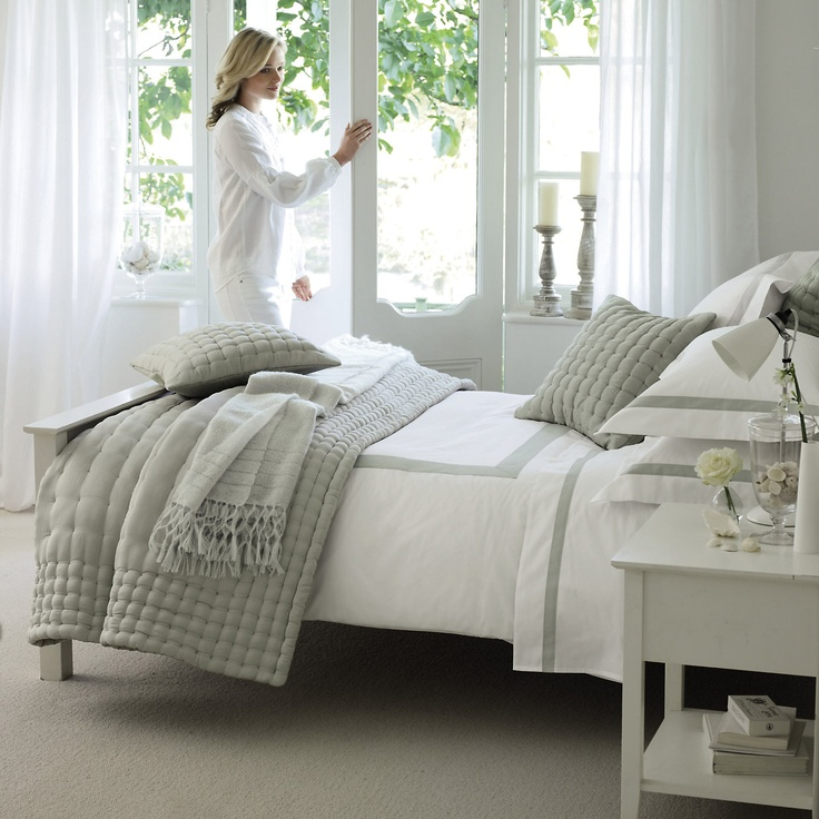 love the bed linens