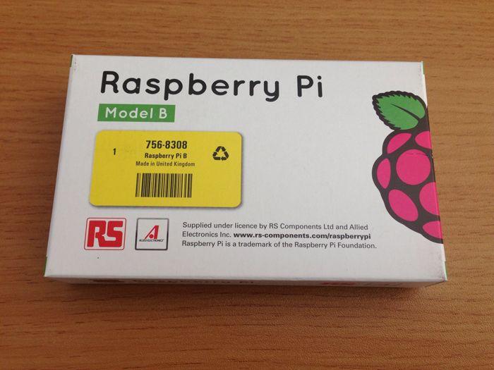 最近IT業界に舞い戻ってきたIT女子プログラマーが、ラズベリーパイ(Raspberry Pi)に悪戦苦闘!手のひらサイズのコンピューターを使い、電子工作の大海原へ飛び出しました!