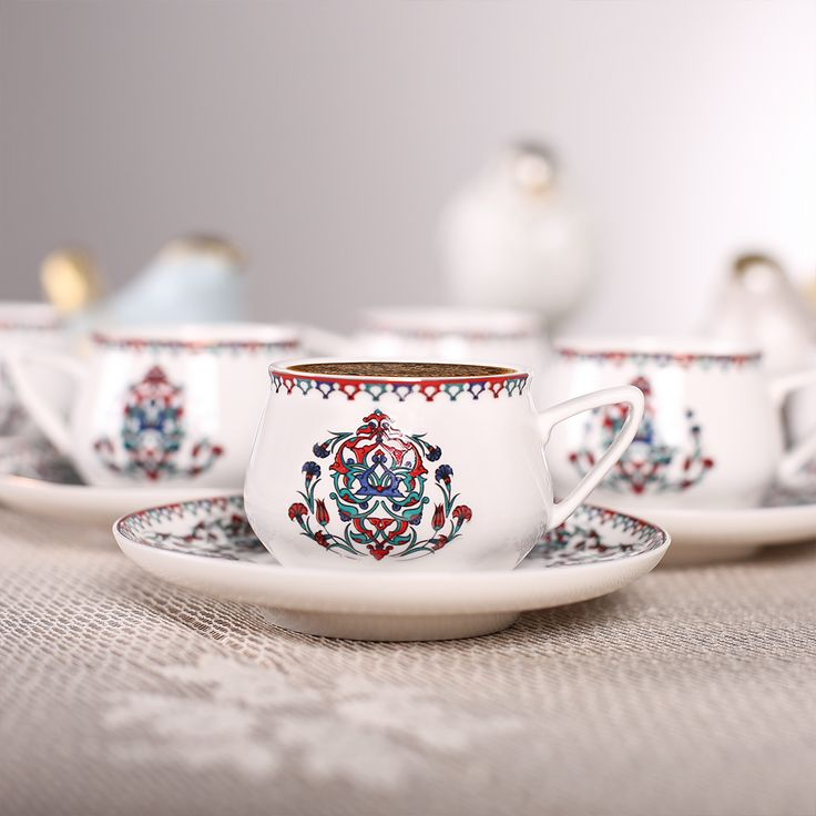 Dostlarınızla kahve keyfiniz, Nakkaş 6'lı Kahve Fincanı Seti ile ikiye katlansın. #PaylaşacakÇokŞeyVar http://bit.ly/NakkaşFincanSeti