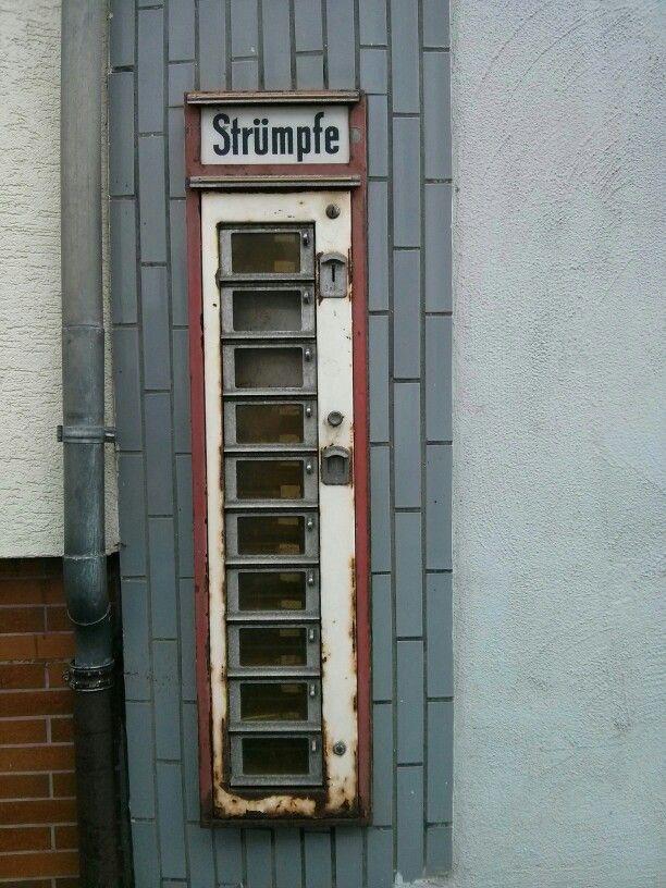 Strumpfautomat in Altenahr.