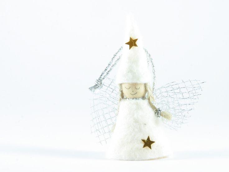 angelo bianco cappello a cono di Un Cesto di Gomitoli su DaWanda.com