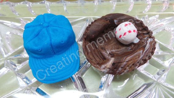 Hey, I found this really awesome Etsy listing at https://www.etsy.com/listing/270257384/fondant-baseball-gloves-and-hats-edible