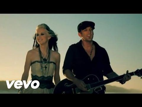 "Thompson Square ""Are You Gonna Kiss Me Or Not"" 