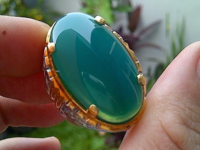 Jenis Batu Bacan termahal berdasarkan warna, harga dan bahan pembuatan yang di produksi oleh pengrajin perhiasan batuan alam khusunya cincin dan kalung http://ramuanabe.com/blog/batu-bacan-doko-asli/