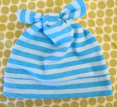 These little beanies are so easy to make! Great tutorial at Sew, Mama, Sew blog. Use old knit shirts or t-shirts from loved ones!