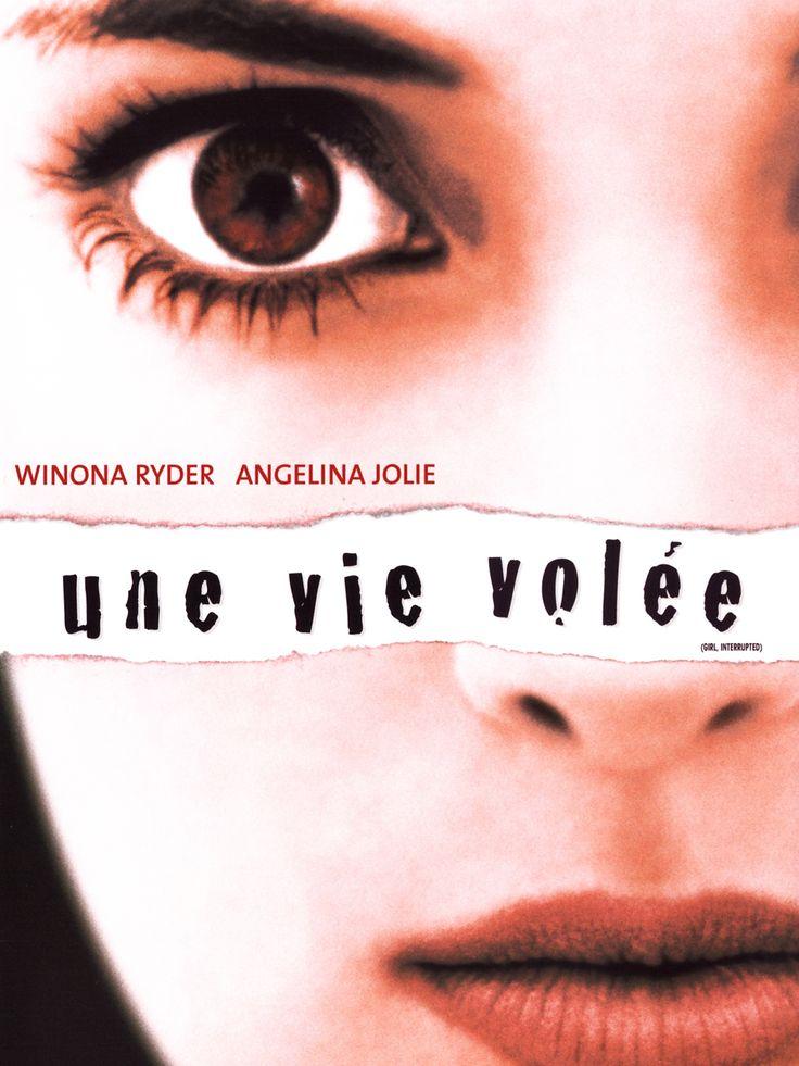 Une vie volée est un film de James Mangold avec Winona Ryder, Elisabeth Moss. Synopsis : En 1967, lors d'un entretien avec un psychanalyste, Susanna Kaysen apprend qu'elle souffre d'un trouble de la personnalité. Elle est envoyée dans u