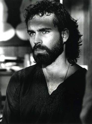 Still haven't seen anyone look as good in a beard as Jason Patric, in one of my favorite movies -Rush