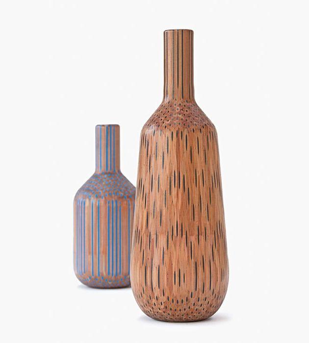 I vasi di Studio Markunpoika realizzati incollando pastelli colorati e poi modellandoli col tornio