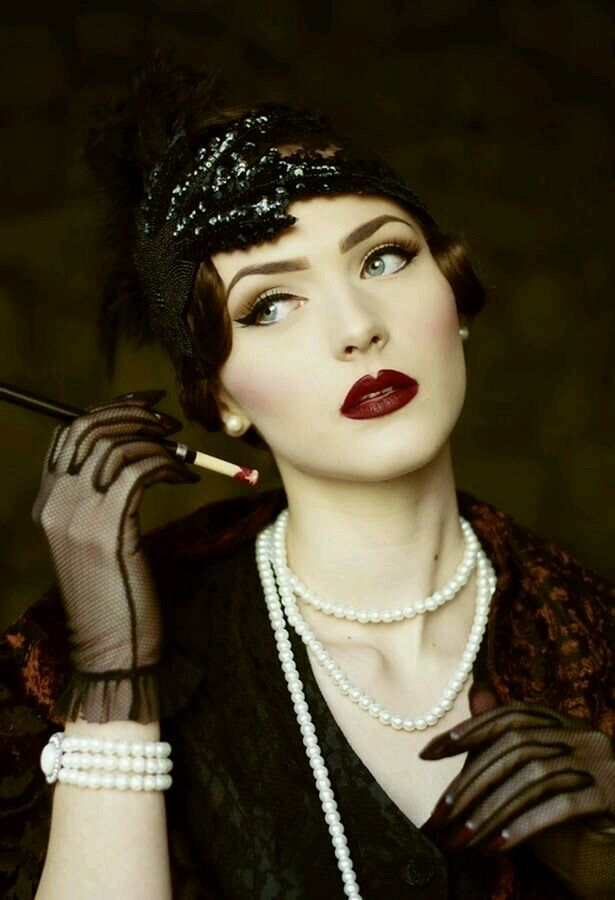 The Roaring 20's was a time of speakeasies, Burlesque Flapper girls And The Charleston 1920s Great Gatsby Style