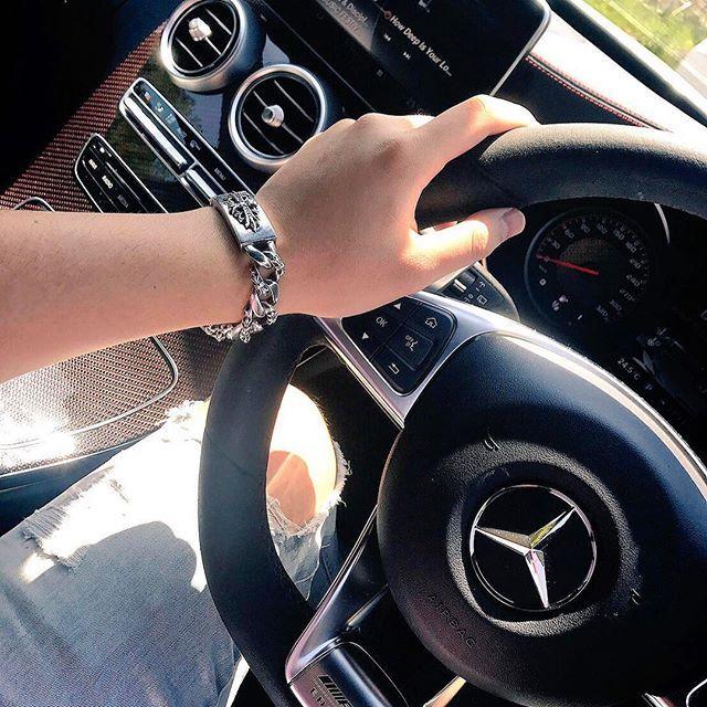 ドライブ クロムハーツ ルブタン シャネル Amg Mercedesbenz ベンツ 肉 焼肉 肉部 ゴローズ Goros ロンワンズ Chromehearts シュプリーム Supreme ビトン フェラーリ ハワイ ロンハーマン クロムハーツ ゴローズ 焼肉