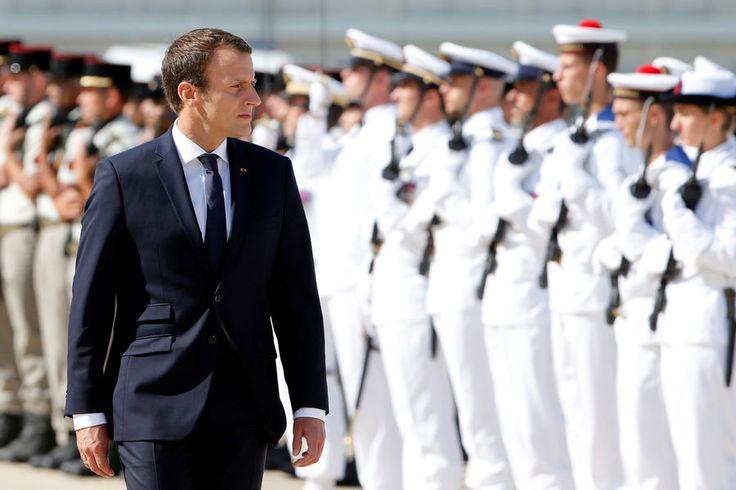 A Istres jeudi, Emmanuel Macron a tenté de reconquérir le coeur et les esprits des militaires, au lendemain de la démission fracassante du chef d'éta...