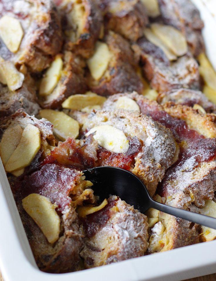 Een heerlijke tip voor overgebleven kerststol: maak er deze broodpudding van met appel en cranberry. Ideaal voor 'derde kerstdag' // Francesca Kookt