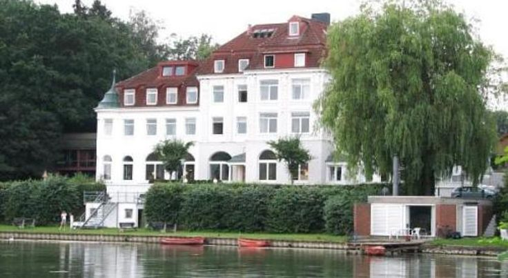 Hotel 'SeeSchloss am Kellersee' Eutin Set directly on lake Kellersee, this 3-star hotel in Eutin boasts a beautiful garden and easy access to the sports and leisure opportunities of Holstein Switzerland.