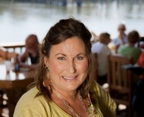 Lucy Buffett, of LuLu's at Homeport Marina - Gulf Shores, AL - shares her recipe for perfect peel and eat shrimp