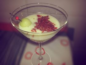 PINTXOS PARA TORPES. Recetas de pintxos faciles,tapas faciles,aperitivos,entrantes,pinchos faciles.: Crema de melón con crujiente de jamón