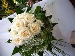 Bouquets di rose bianche
