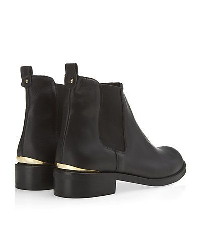 Kurt Geiger Short Chelsea Boot w/ gold detail. ...now go forth and share that BOW & DIAMOND style ppl! Lol. ;-) xx