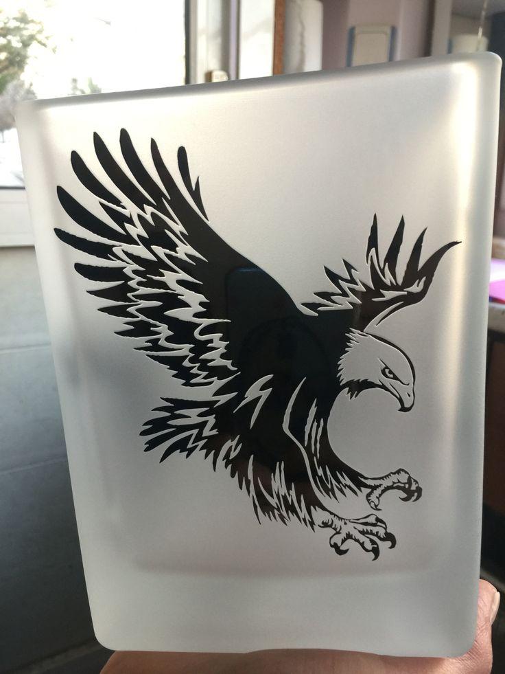 El yapımı siyah emaye boyalı kumlama vazo..  Mumluk olarak kullanılabilir..  İstek üzerine istenilen bölgesine yazı yazılabilir, BJK logosu konabilir..