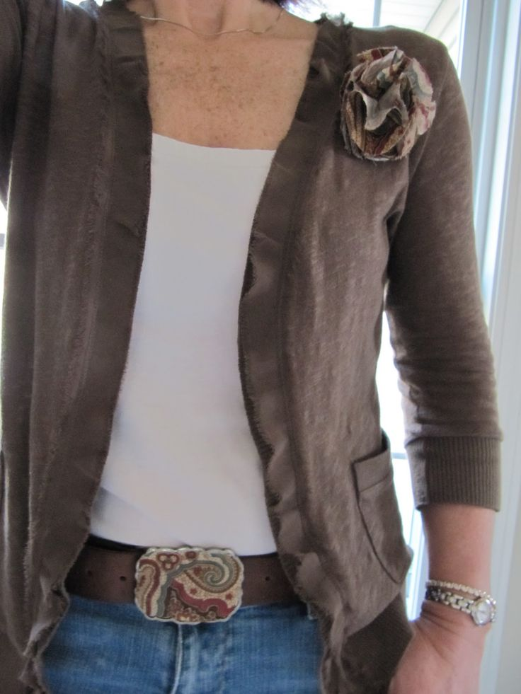 Sew Many Ways...: Belt Makeover and Flower Tutorial...