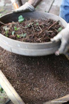 Cómo preparar la tierra para el huerto ecológico, para macetas o huerto urbano. www.cocinasalud.com