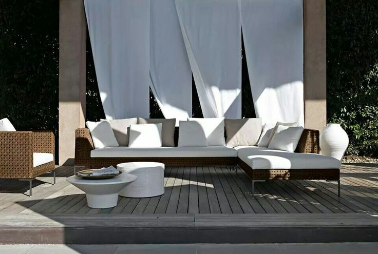 A DESIGN CLASSIC  THAT MAINTAINS ITS  FAMOUS COMFORT  IN THE NEW OUTDOOR VERSION.    IT'S TIME 4 OUTDOOR WITH…  CHARLES OUTDOOR BY ANTONIO CITTERIO  > http://bit.ly/SQaiDn  #BEBITALIA #OUTDOOR #DESIGN #FURNITURE