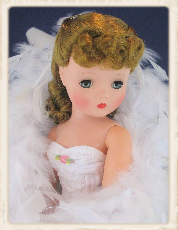 "~ Lovely Madame Alexander ""Cissy"" Doll ~"