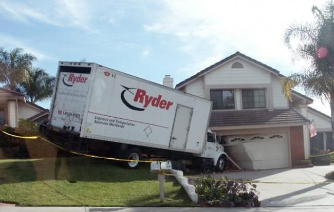This could be an example of the door to door moving services you could expect from some random mover off Kijiji!   Contact Morrison Moving now at (905) 525-8332 to prevent a moving nightmare.   In our experience, there is always someone who can offer moving services cheaper online!  If the mover is a non-registered company and doesn't carry the proper insurance for accidents, you could be in store for bigger problems.  When getting a quote, ask the right questions to protect yourself. Find…