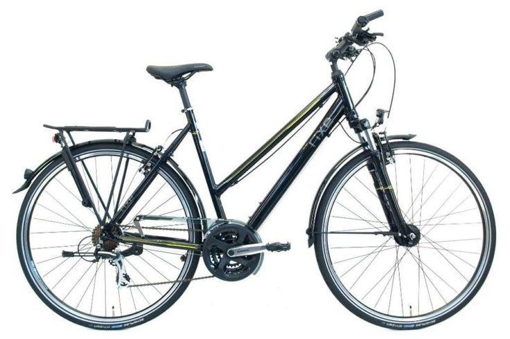 Das Fahrrad wurde im August 2014 gekauft, hat also sogar noch etwas Restgarantie!Gefahren wurde es nur ca. 50km, es ist also als neuwertig zu bezeichnen.Allgemeine Daten:Radgröße: 28 Zoll Rahmentyp: Trekking|Trek Rahmenhöhe: 60 cm Farbrichtung: schwarz Rahmenmaterial: Aluminium-Rahmen Gabel: Suntour M 3010 Federgabel, einstellbar Lenker: Flatbar Lenker Vorbau: Aluminium-Vorbau, einstellbar Bremshebel: Shimano ST-EF 40 Bremshebel Bremsen: Aluminium-V-Brakes Felgen: Aluminium Hohlkammerfelgen…