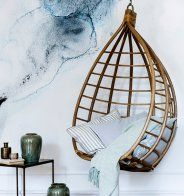 Un fauteuil suspendu chez Broste Copenhagen - Marie Claire Maison