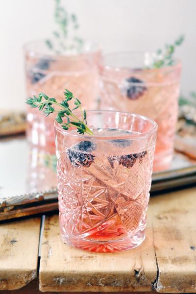 Blackberry Thyme Champagne Cocktail |Style Me Pretty