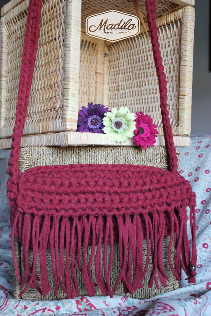 Purple handbag Madila #Handmade #Crochet #Bags #Zpagetti #Yarn #Trapillo https://www.etsy.com/uk/shop/MadilaHandmade