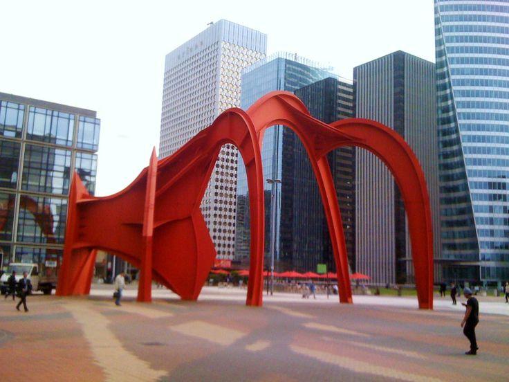Le Grand Stabile Rouge ou l'Araignée Rouge - oeuvre d'Alexander Calder - place de la Défense - Paris La Défense