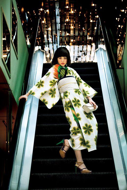 Modern Japanese Women's Yukata Style.