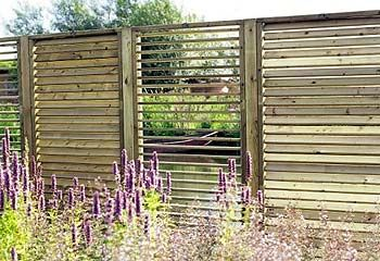 Outdoor Patio Privacy Screen Ideas | Screen test: Hillhout adjustable screen