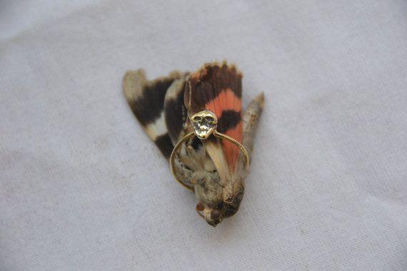 Anello di la petite mort bronzo teschio di MoonSerpentJewelry