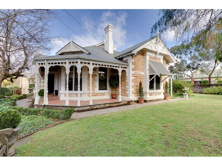 queen anne return verandah freestone sandstone villa at